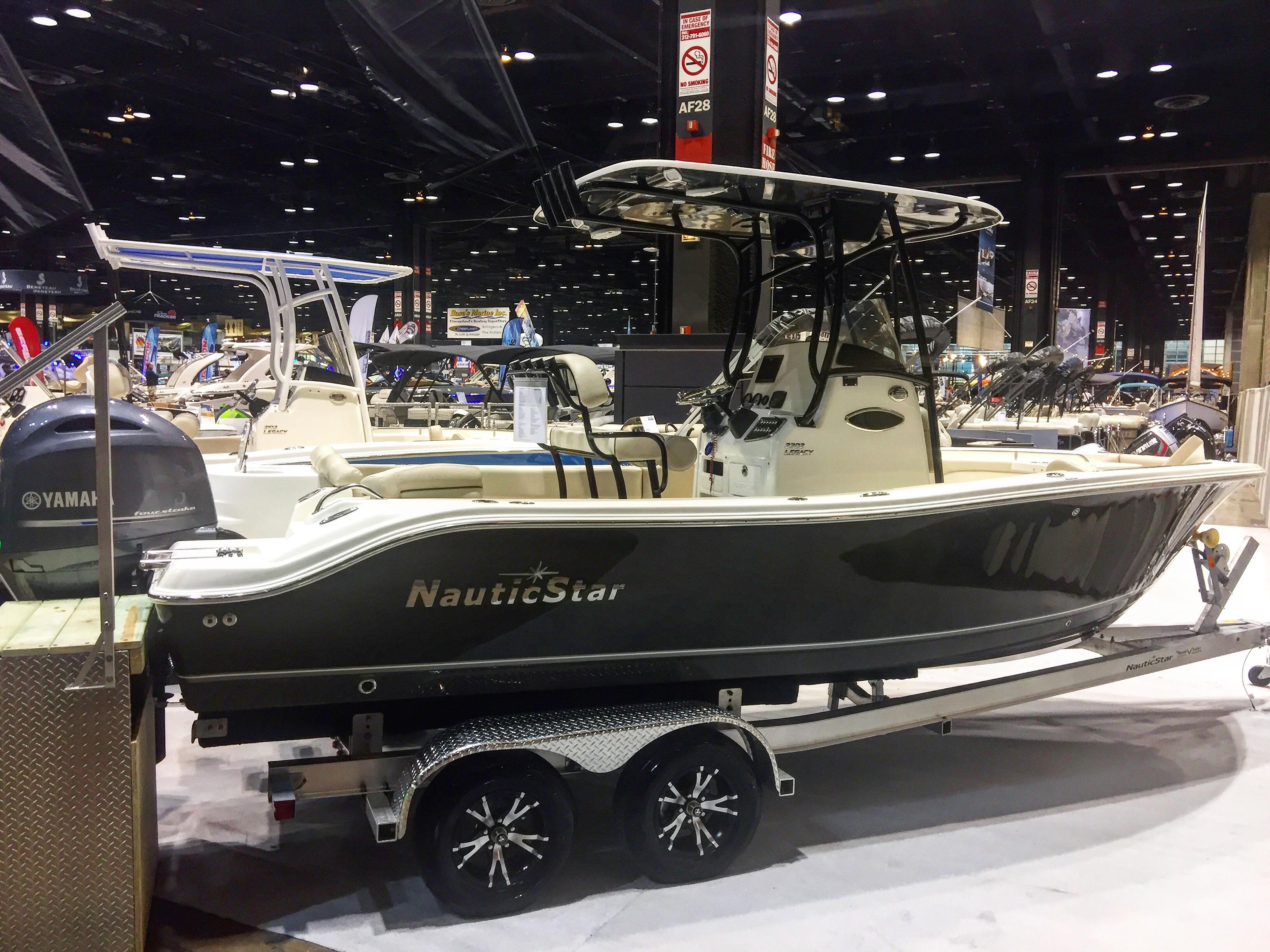 2017 NauticStar 2602 Legacy